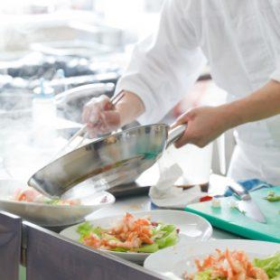 Sous-Chef-munka-folyami-hajon