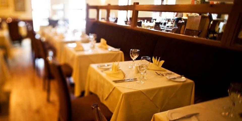 dooleys-dining_travel_to_ireland